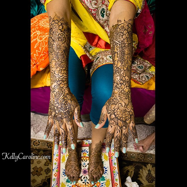Henna I did on the back of the hands for a lovely bride last night in Southgate, MI . . . private appointments available Monday-Saturday 2-5:30pm call 734-536-1705 or email kelly@kellycaroline.com #henna #hennas #hennaartist #kellycaroline #michigan #michiganartist #dearborn #dearbornheights #mehndi #mehndidesign #desi #indianwedding #organic #hennadesign #hennatattoo #hennatattoos #flower #flowers #yoga #yogi #mandala #art #artist #ypsi #ypsilanti #detroit #wedding
