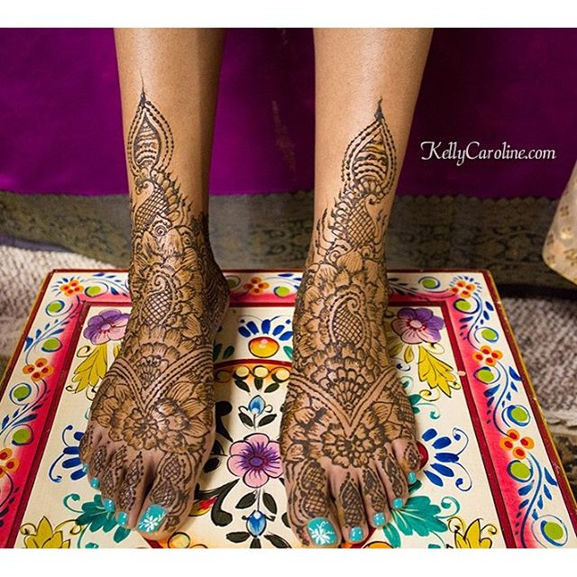 Henna I did on the feet for a lovely bride last night in Southgate, MI . . . private appointments available Monday-Saturday 2-5:30pm call 734-536-1705 or email kelly@kellycaroline.com