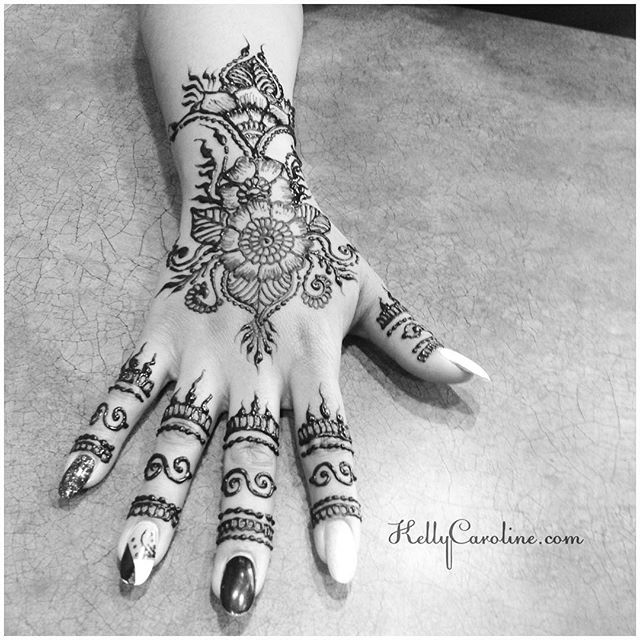 Our most recent hand henna design in the studio - . . . private appointments available Monday-Saturday 2-5:30pm call 734-536-1705 or email kelly@kellycaroline.com #henna #hennas #hennaartist #kellycaroline #michigan #michiganartist #dearborn #dearbornheights #mehndi #mehndidesign #tattoo #tattoos #ink #organic #hennadesign #hennatattoo #hennatattoos #flower #flowers #yoga #yogi #mandala #art #artist #ypsi #ypsilanti #detroit