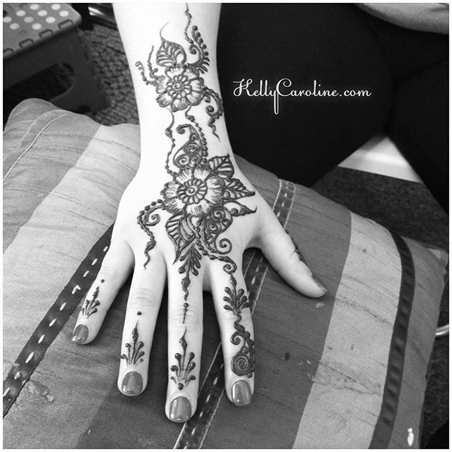 hand henna design for a couple in the studio today – private appointments available Monday-Saturday 2-5:30pm call 734-536-1705 or email kelly@kellycaroline.com