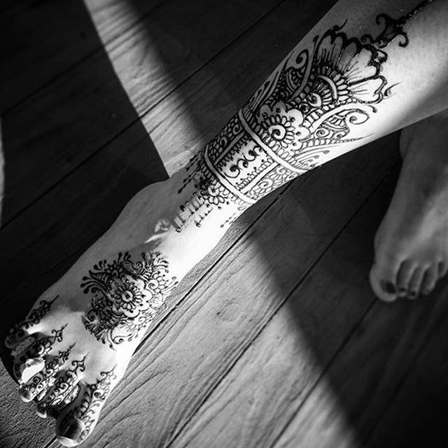 Repost by @jesuscpenney . . A tribal floral leg piece by our artist Frances . . private appointments available Monday-Saturday 2-6pm call 734-536-1705 or email kelly@kellycaroline.com #henna #hennas #hennaartist #kellycaroline #michigan #michiganartist #dearborn #dearbornheights #mehndi #mehndidesign #tattoo #tattoos #ink #organic #hennadesign #hennatattoo #hennatattoos #flower #flowers #yoga #yogi #mandala #art #artist #ypsi #ypsilanti #detroit