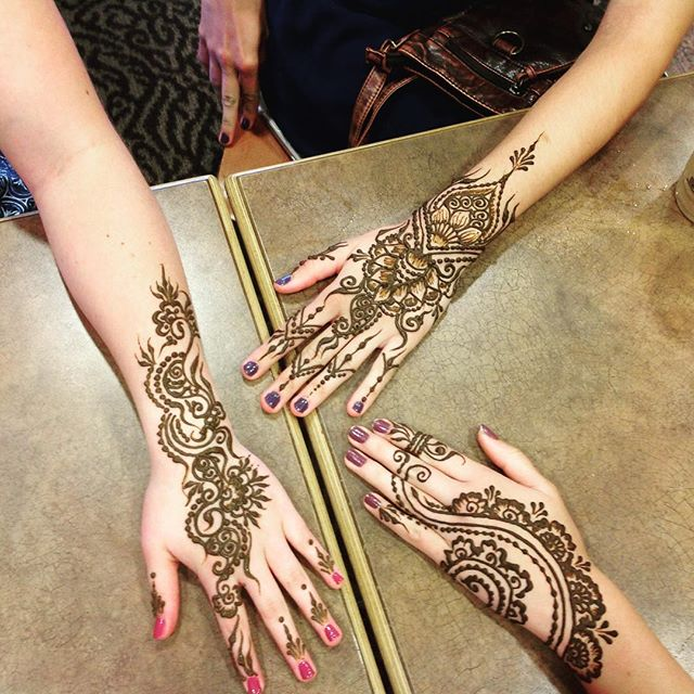 hand henna design for a fun set of girls from Maine today – private appointments available Monday-Saturday 2-5:30pm call 734-536-1705 or email kelly@kellycaroline.com