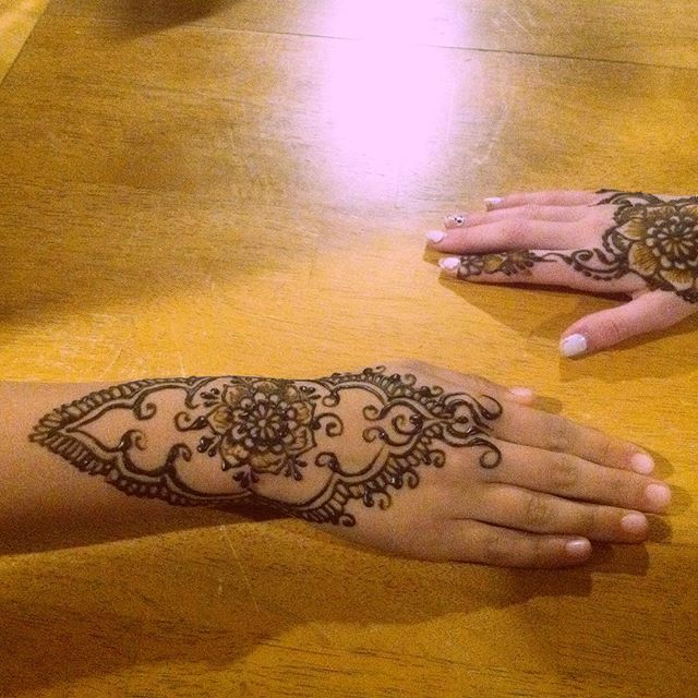 The birthday party guest henna design from yesterday's henna party in Novi, Michigan . Private party bookings available . . private appointments available Monday-Saturday 2-5:30pm call 734-536-1705 or email kelly@kellycaroline.com