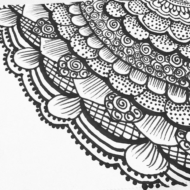A little modern doily action - tea time. . . . #tattoodesign #henna #hennas #ypsi #ypsilanti #detroit #michigan #michiganartist #kellycaroline #mehndi #mehndidesign #tattoo #tattoos #tattoodesigns #drawing #mandala #flower #flowers #ink #yoga #yogi #sketch_daily #artstagram #instartlovers #art_spotlight #justartspiration #arts_help #art_worldly #blxckmandalas