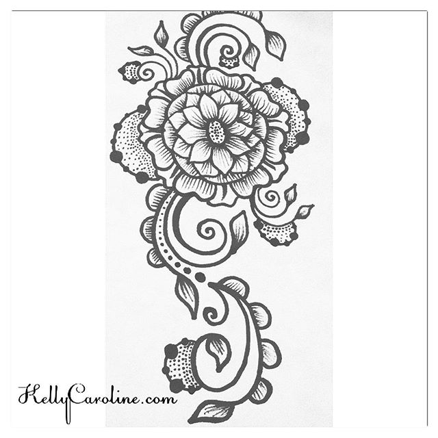 A long mandala design that would be really pretty on a forearm or upper thigh ;-)