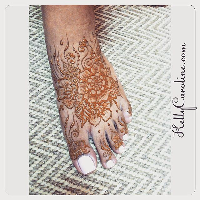 Treat your toesies good ! Henna is a Perfect compliment to a great pedicure ! – . . . private appointments available Monday-Saturday 2-5:30pm call 734-536-1705 or email kelly@kellycaroline.com