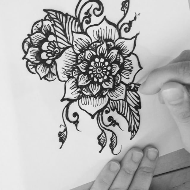 Hi there! Here's my new henna design from my sketchbook last night #tattoodesign #henna #hennas #ypsi #ypsilanti #detroit #michigan #michiganartist #kellycaroline #mehndi #mehndidesign #tattoo #tattoos #tattoodesigns #drawing #mandala #flower #flowers #ink #yoga #yogi #sketch_daily #artstagram #instartlovers #art_spotlight #justartspiration #arts_help #art_worldly #video #instavideo