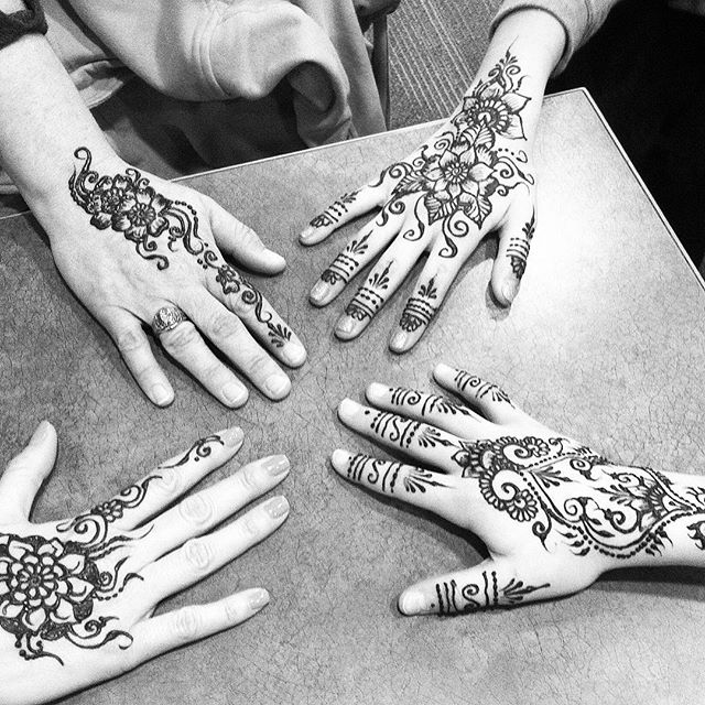 Mother daughter day!! Four fun hand designs today. Grab a friend and come into the studio this week . . private appointments available Monday-Saturday 2-6:30pm call 734-536-1705 or email kelly@kellycaroline.com #henna #hennas #hennaartist #kellycaroline #michigan #michiganartist #dearborn #dearbornheights #mehndi #mehndidesign #tattoo #tattoos #ink #organic #hennadesign #hennatattoo #hennatattoos #flower #flowers #yoga #yogi #mandala #ypsi #ypsilanti #detroit #birthdaypart
