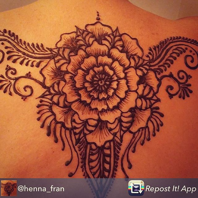 Our artist Francis is one of our greatest team members and is heading to join our New York team of henna artists. Here's a sample of her latest work. Follow her at @henna_fran Repost from @henna_fran using @RepostRegramApp - #henna #hennatattoo #bodyart #nyc #michigan #art #artist #kellycaroline #kellycarolinehennaart #hennamichigan #newyorkhenna #brooklyn #flowerart #mandala #detroit #ypsilanti #ypsi #backtattoo #girltattoos
