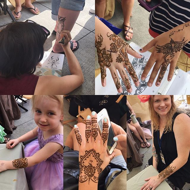 Loving our final day at @diypsi ! Beautiful day beautiful people! Come see us- here until 6pm  #henna #hennas #hennaartist #kellycaroline #michigan #michiganartist #dearborn #dearbornheights #mehndi #mehndidesign #tattoo #tattoos #ink #organic #hennadesign #hennatattoo #hennatattoos #flower #flowers #yoga #yogi #mandala #ypsi #ypsilanti #detroit #birthdayparty #canton #diypsi #ypsireal