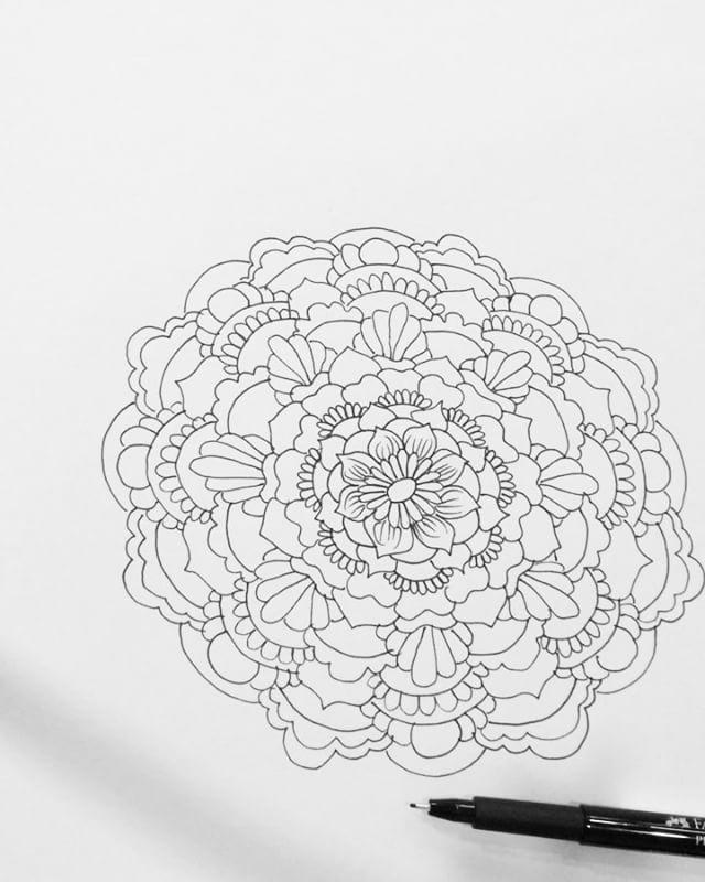 Hi there! Here's my new drawing henna design from my sketchbook last night #tattoodesign #henna #hennas #ypsi #ypsilanti #detroit #michigan #michiganartist #kellycaroline #mehndi #mehndidesign #tattoo #tattoos #tattoodesigns #drawing #mandala #flower #flowers #ink #yoga #yogi #sketch_daily #artstagram #instartlovers #art_spotlight #justartspiration #arts_help #art_worldly #video #instavideo