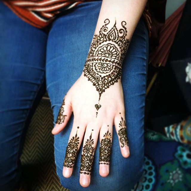 Today's special birthday henna in the studio ::