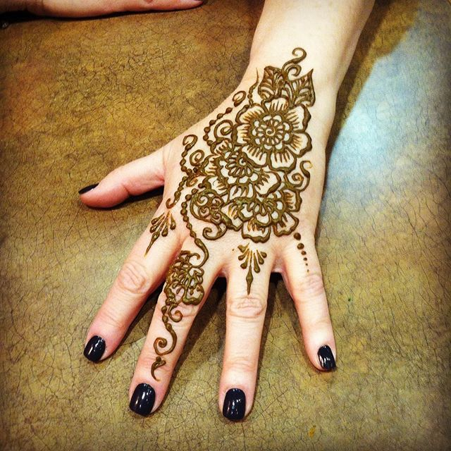 Time to treat yourself. Grab a friend and come into the studio this week . . private appointments available Monday-Saturday 2-5:30pm call 734-536-1705 or email kelly@kellycaroline.com #henna #hennas #hennaartist #kellycaroline #michigan #michiganartist #dearborn #dearbornheights #mehndi #mehndidesign #tattoo #tattoos #ink #organic #hennadesign #hennatattoo #hennatattoos #flower #flowers #yoga #yogi #mandala #ypsi #ypsilanti #detroit #birthdayparty