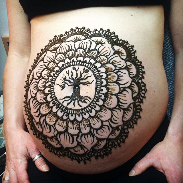Three leaves on the tree for three pregnancies. Know any lovely lady who is a mama-to-be? The ideal time frame to have your baby bump decorated in natural, organic henna is 30 weeks and up. Book a session or get a gift certificate for a friend ! This pretty mama came into the studio today - so much fun! #henna #mehndi #hennatattoo #hennatattoos #artist #kellycaroline #baby #mama #babyshower #floral #flower #babybelly #babygirl #hennas #tattoo #ink #tattoos #organic #natural #michigan #ypsi #ypsilanti #mandala #bellyblessing #blessing #kids #mama #mom #pregnancy #pregnant #michiganhenna