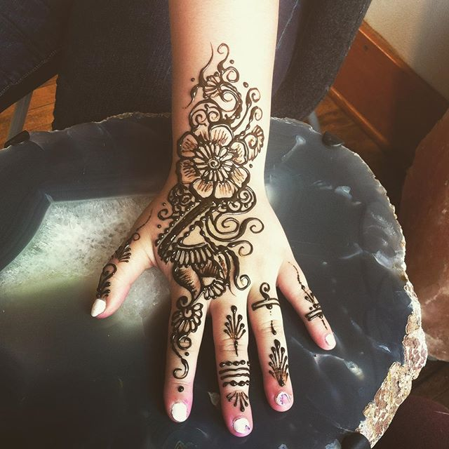 I really appreciate all my clients - - thank you all so much for trusting me to make beautiful art for you!. . . Studio appointments to book your summer henna 734-536-1705 kelly@kellycaroline.com . #henna #hennas #hennaartist #hennaparty #kellycaroline #michigan #michiganartist #dearborn #dearbornheights #mehndi #mehndidesign #tattoo #tattoos #ink #organic #hennadesign #hennatattoo #hennatattoos #flower #flowers #yoga #yogi #mandala #ypsi #ypsilanti #detroit