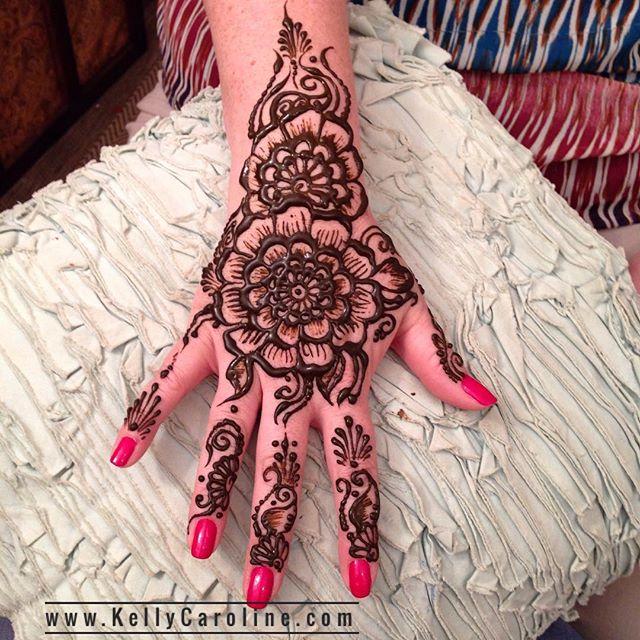 Birthday henna for @lauriegreen67 . . . Studio appointments to book your summer henna 734-536-1705 kelly@kellycaroline.com . #henna #hennas #hennaartist #hennaparty #kellycaroline #michigan #michiganartist #dearborn #dearbornheights #mehndi #mehndidesign #tattoo #cantonfarmersmarket #ink #organic #hennadesign #hennatattoo #hennatattoos #flower #flowers #yoga #yogi #mandala #ypsi #ypsilanti #detroit #canton