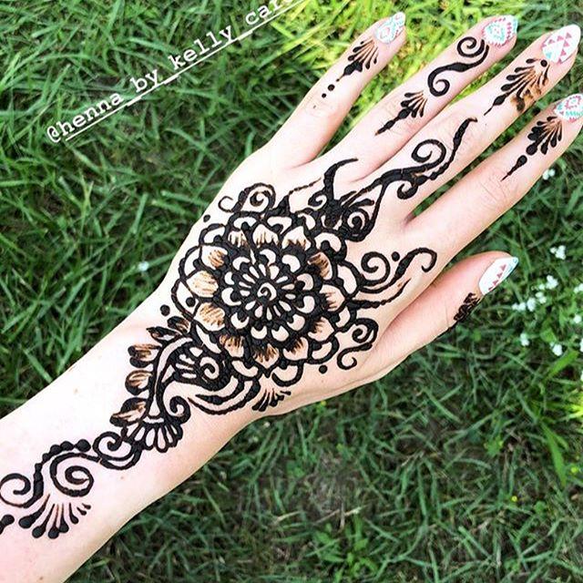 A beautiful progression of the henna stain from @sofia_maria ! I love seeing after pics . . . #henna #hennas #hennaartist #kellycaroline #michigan #michiganartist #dearborn #dearbornheights #mehndi #mehndidesign #tattoo #tattoos #ink #organic #hennadesign #hennatattoo #hennatattoos #flower #flowers #yoga #yogi #mandala #ypsi #ypsilanti #detroit #birthdayparty #canton #diypsi #ypsireal