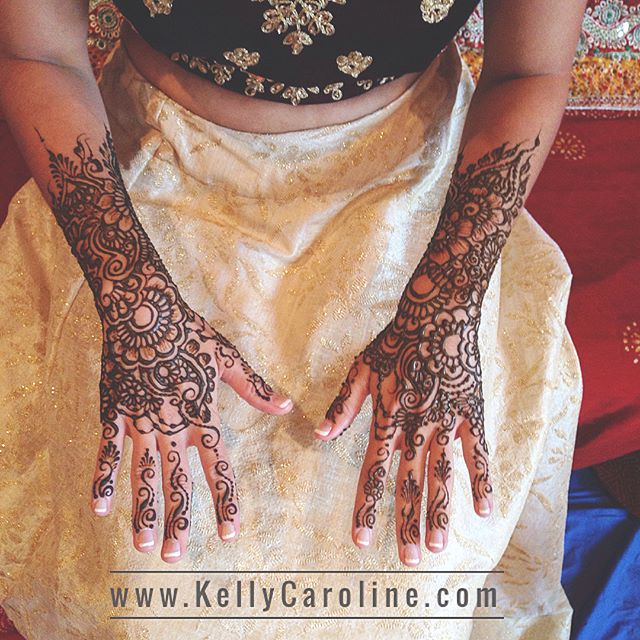 Bridal henna for a lovely bride in Ann Arbor this week! . . Kelly@kellycaroline.com #henna #hennas #hennaartist #kellycaroline #michigan #michiganartist #dearborn #southasianbride #southasianwedding #indianwedding #desi #weddinghenna #dearbornheights #mehndi #mehndidesign #canton #tattoos #ink #hennadesign #hennatattoo #hennatattoos #flowers #yoga #yogi #mandala #desiwedding #annarbor #annarbormichigan #mehndi