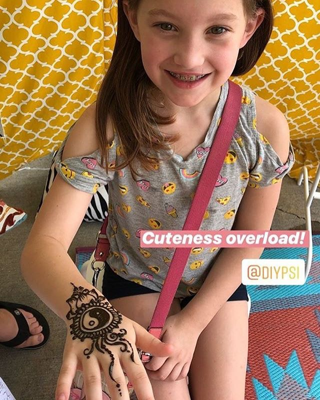 Cutest little girl wanting our cutest yin yang design ☯☯ . . #henna #hennas #hennaartist #kellycaroline #michigan #michiganartist #dearborn #dearbornheights #mehndi #mehndidesign #tattoo #tattoos #ink #organic #hennadesign #hennatattoo #hennatattoos #flower #flowers #yoga #yogi #mandala #ypsi #ypsilanti #detroit #birthdayparty #canton #diypsi #ypsireal