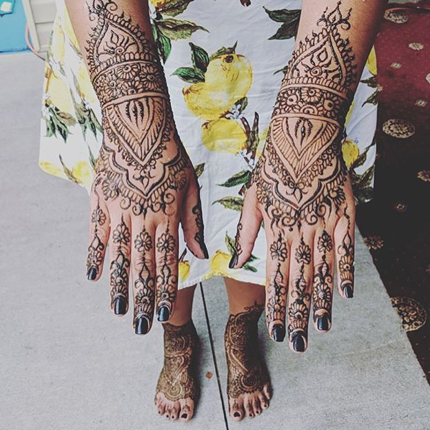 Repost of @patinanandalall the Bridal henna for a lovely bride this week! . . Kelly@kellycaroline.com #henna #hennas #hennaartist #kellycaroline #michigan #michiganartist #dearborn #southasianbride #southasianwedding #indianwedding #desi #weddinghenna #dearbornheights #mehndi #mehndidesign #canton #tattoos #ink #hennadesign #hennatattoo #hennatattoos #flowers #yoga #yogi #mandala #desiwedding #annarbor #annarbormichigan #mehndi