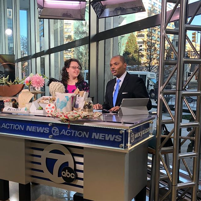 Today I was on @wxyzdetroit for the @holiday_market_at_grace_canton at @grace.churches THIS SATURDAY!! It was a fun time and I really enjoyed it. Thanks for having me @keenanwxyz ! . . . #graceholidaycraftmarket #gracecanton #gracechurch #cantonmi #canton #plymouthmi #detroit #michigan #michiganartists #kellycaroline #wxyzdetroit #abcnews #smallbusinessowner #channel7news #ypsi #annarbor #ypsilanti